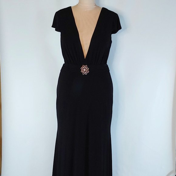 NWOT Wow Black Long Gown  Style 9528 in Plus Size